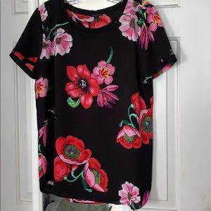 Ann Taylor Short Sleeve Top Size M
